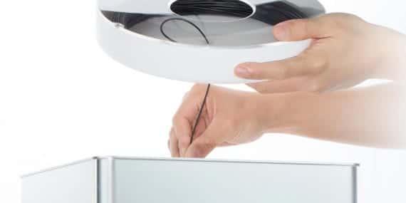 Puedes usar tus propios filaments de PLA, más baratos que los cartuchos individuales