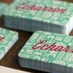 Tarjetas con estampado aguamarina y letras fucsia