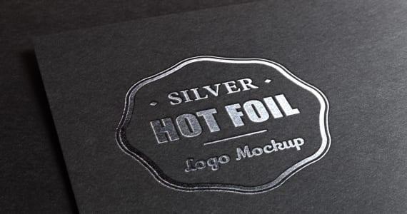 Logo estampado con tinta plata