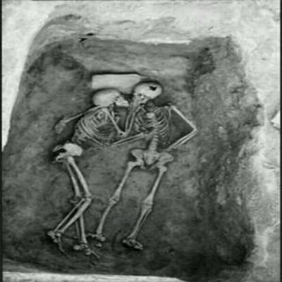 pareja-yacimiento-iran
