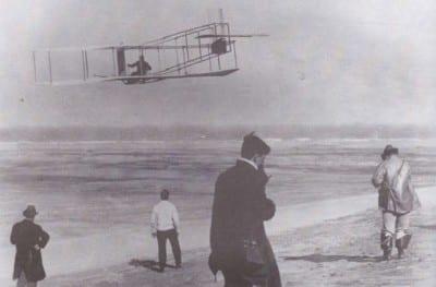 primer-vuelo-a-motor