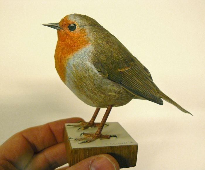 Figura pájaro realista