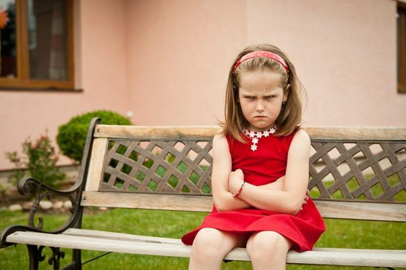 niña-enfadada