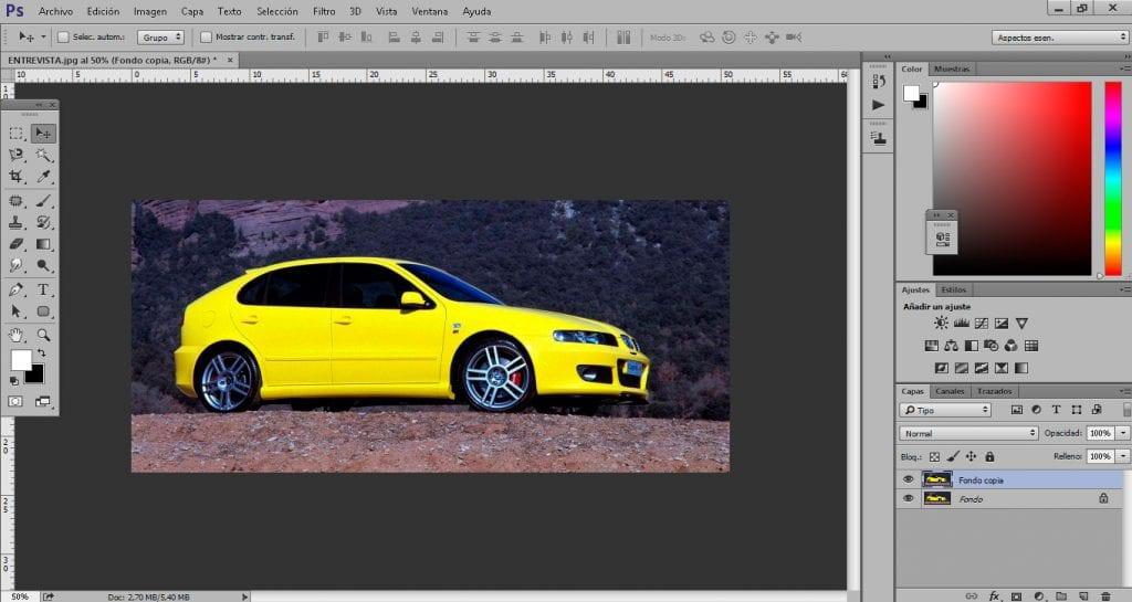 Con photoshop podemos conseguir que un coche estático consiga tener movimiento