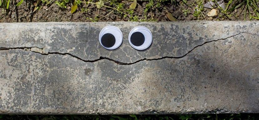 Vanyu Krastev coloca divertidos ojos en objetos callejeros consiguiendo crear animadas personificaciones