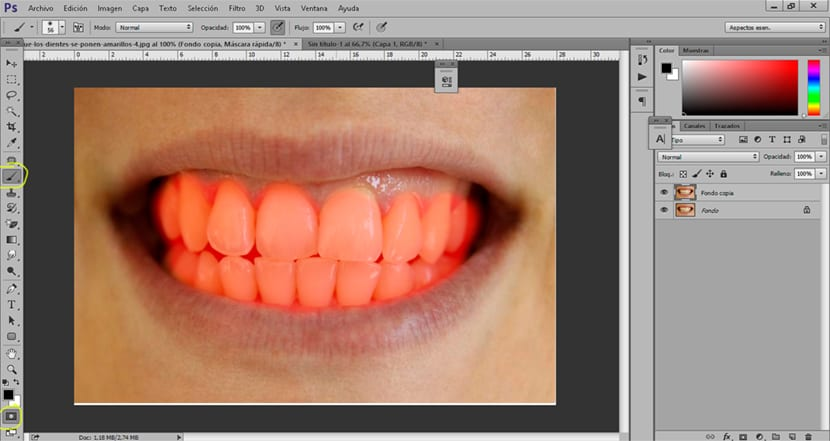 Creamos una selección de los dientes con la herramienta máscara rápida