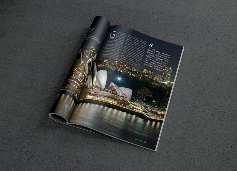 Mockup de revista fotorealista abierta