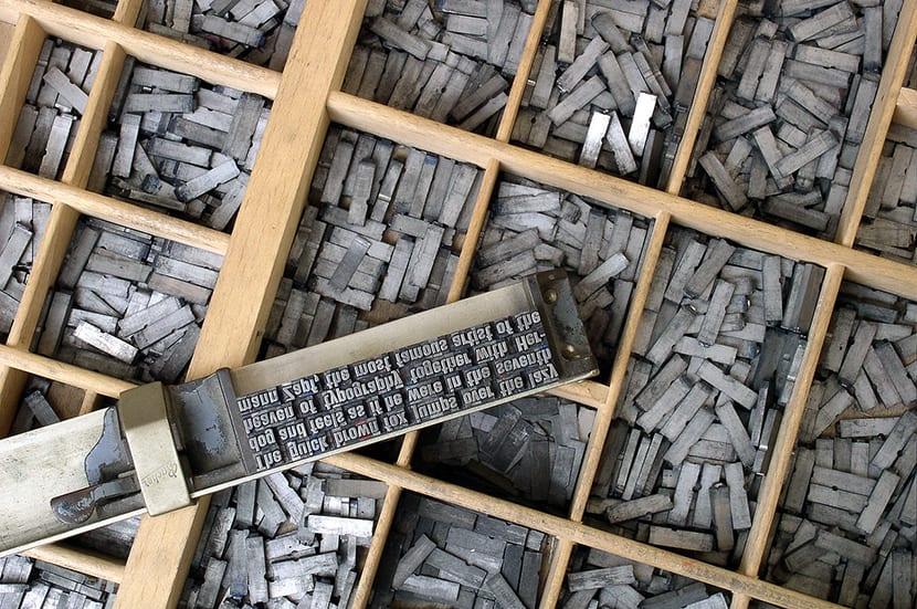 Tipos móviles para crear composiciones tipográficas