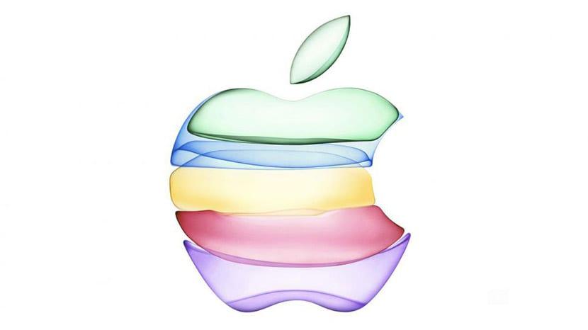 Invitación logo Apple