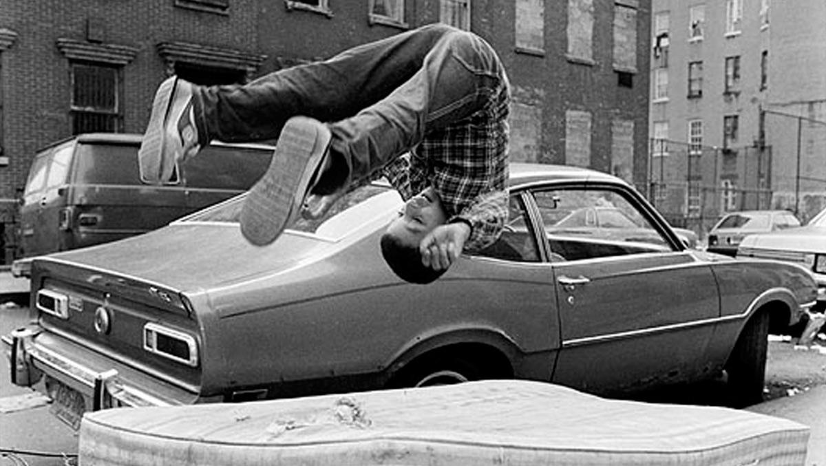 Fotografía sobre infancia callejera en Nueva York