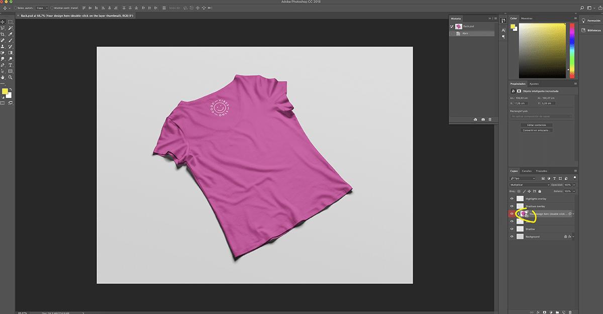 Abrimos el mockup de camiseta para pasar nuestro diseño