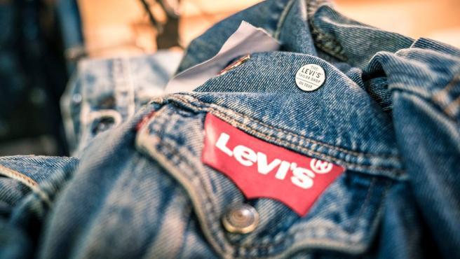 Asociación de colores en la identidad visual de una marca